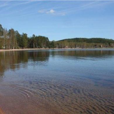 Kristallklart vatten i Dellensjöarna